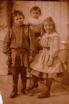 1908 - Michel (171), Denis (172) et Florence LANDRIEU (173)