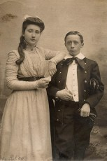 3 juillet 1909 - Lucie (421) et Robert LANDRIEU (422)