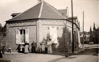 # 1910 - Famille Pierre LANDRIEU (26) - Caours L'Heure (80)