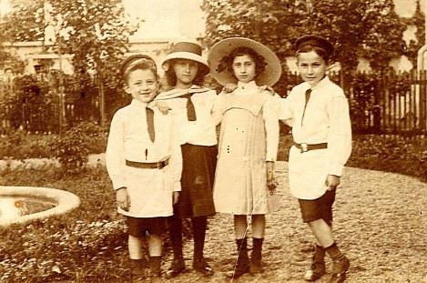 # 1914 - Famille Madeleine LANDRIEU-GHIKA (52) - Stephan GHIKA (523) - ? - ? - Jean GHIKA (522)