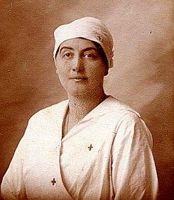# 1915 - Suzanne LANDRIEU (53)