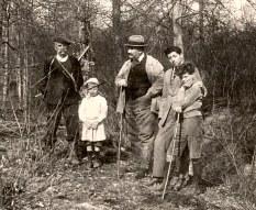 1922 - Famille Émile LANDRIEU (2) - Un garde - ? - Tonton - Paul HUBERTY - Philippe LANDRIEU (261)