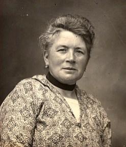 1928 - Antoinette HARLÉ-LANDRIEU (x 16)