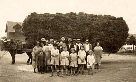 Lucien LANDRIEU (162) : le 1er homme à gauche