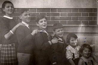1936 - Au Vésinet - Les six premiers enfants de Max (441) et de Monique : Micheline (4411) - Claude (4412) - Bernard (4413) - Jean-Marie (4414) - Xavier (4415) - Louis (4416)