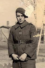 Michel LANDRIEU (445) - Lieutenant au 87° RIF, prisonnier de 1940 à 1945