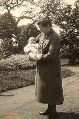 1930 - NicoleLANDRIEU (1712) et Angela POYER dite Maman Ya