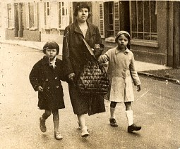 1935 - Jacqueline, Andrée LANDRIEU et Françoise PADIEU
