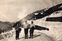 """Janvier 1951 à Morzine - Au fond """"La Sauvageonne"""""""