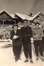 Janvier 1951 à Morzine - Nicole LANDRIEU, ?, Monique POYER