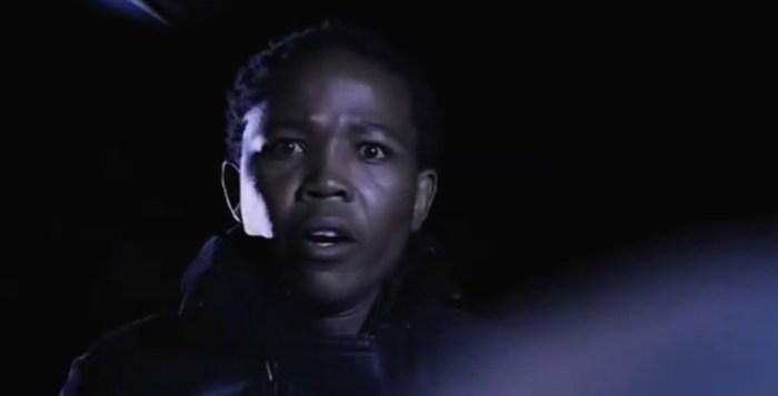 まるでスラム映画「ツォツィ」。車窃盗後、走り出してから車内の子どもに気づく。