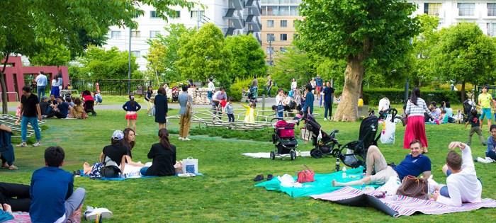 六本木・東京ミッドタウンの裏にある檜町公園。子連れでたっぷり遊べて自然を満喫!