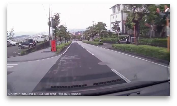 ドライブレコーダーが捉えた小学生の飛び出し