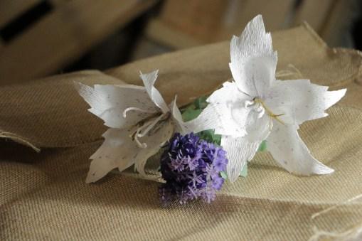 Lilium blanco de papel (1)