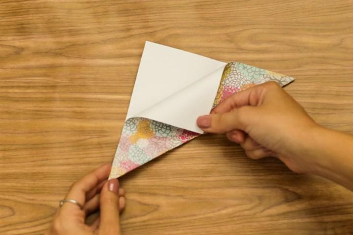 DIY Easy & Cute Corner Bookmark 3
