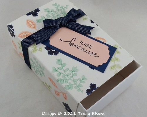 BB81 Lovely You Floral Box