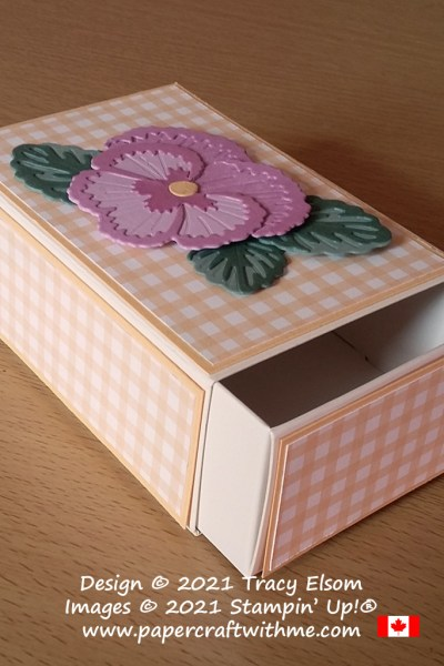Drawer-style gift box decorated with gingham paper and a flower created using the Pansy Dies from Stampin' Up! #papercraftwithme