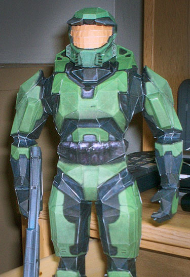 Papercraft Halo Master Chief full view