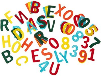 Letras y números en fieltro
