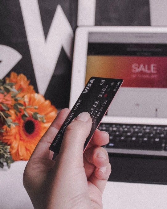 easy to spend too much with online shopping