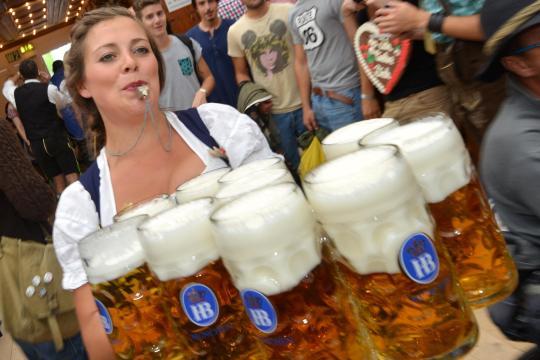 Oktoberfest-Bier-ueber-10-Euro