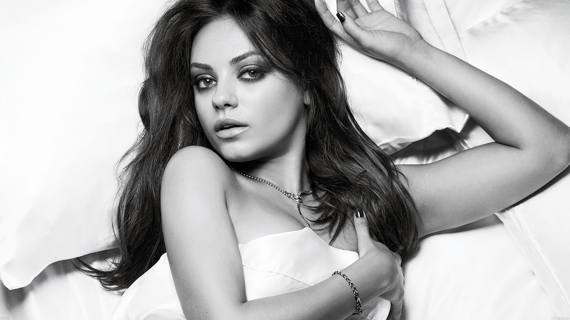 Fall Wallpaper Ipad Pro Ha99 Wallpaper Mila Kunis Esquire Sexy Woman Face Papers Co