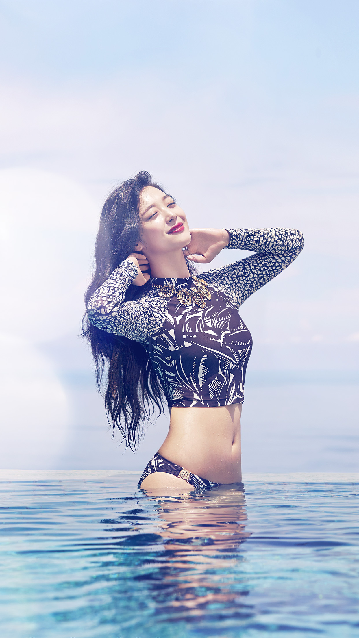 Cute Korean Girl Desktop Wallpaper Hf69 Sulli Bikini Pool Kpop Sexy Idol Beach Flare Papers Co