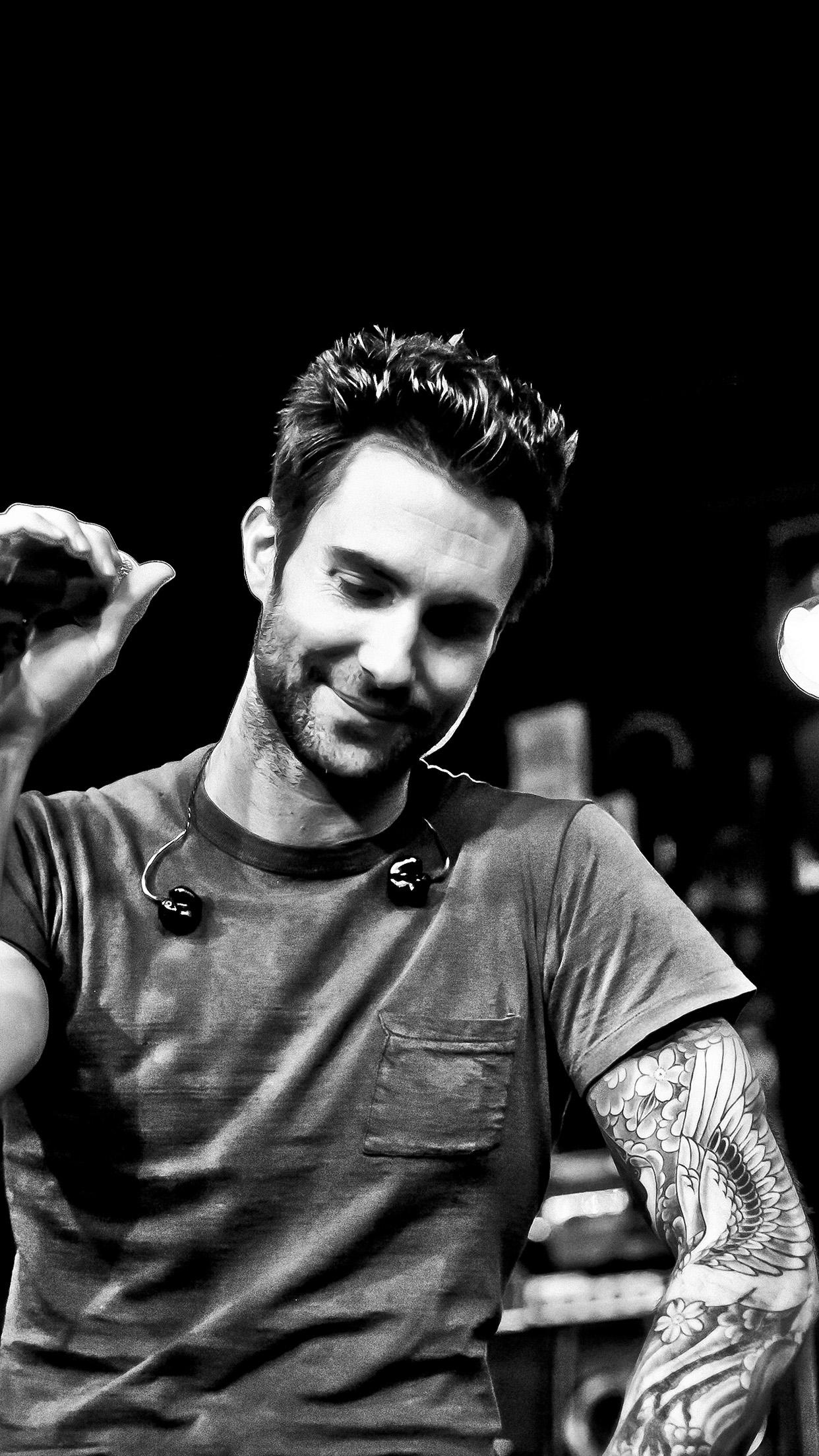 Car Boy Hd Wallpaper Hg17 Maroon 5 Adam Levine Singer Artist Music Dark Papers Co