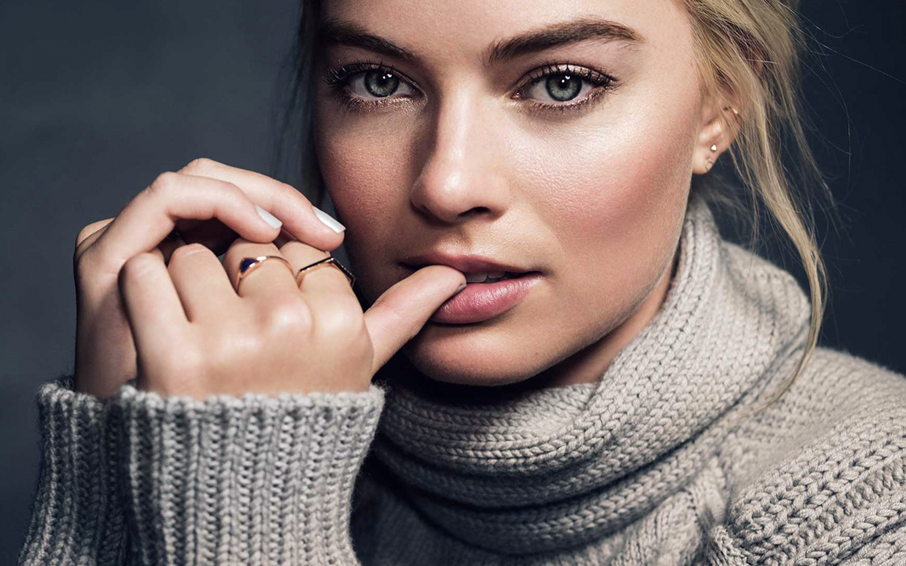 Wallpaper Fall Hj26 Margot Robbie Photoshoot Celebrity Gril Wallpaper