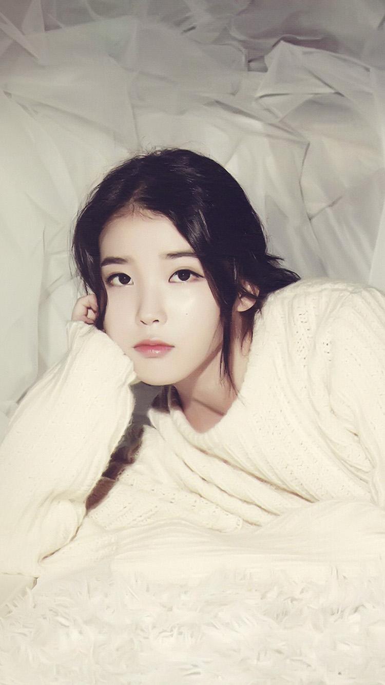 Cute Little Girl In Rain Wallpaper I Love Papers Hl32 Iu Kpop Girl Cute