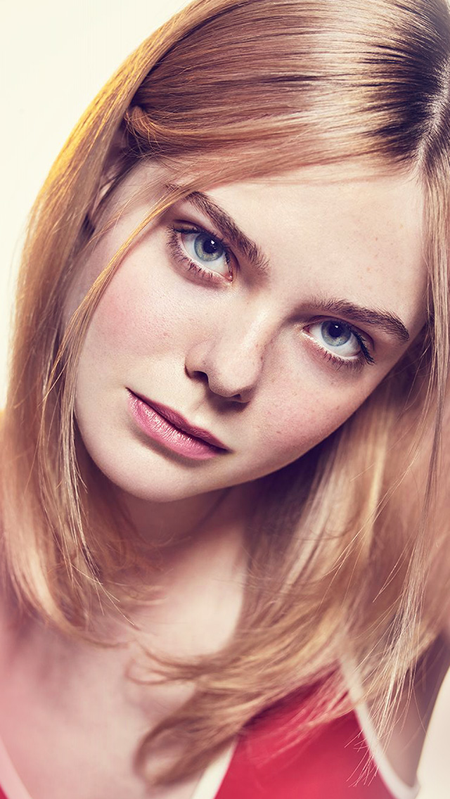 Iphone Wallpaper Car Girl Hp07 Elle Fanning Girl Celebrity Wallpaper