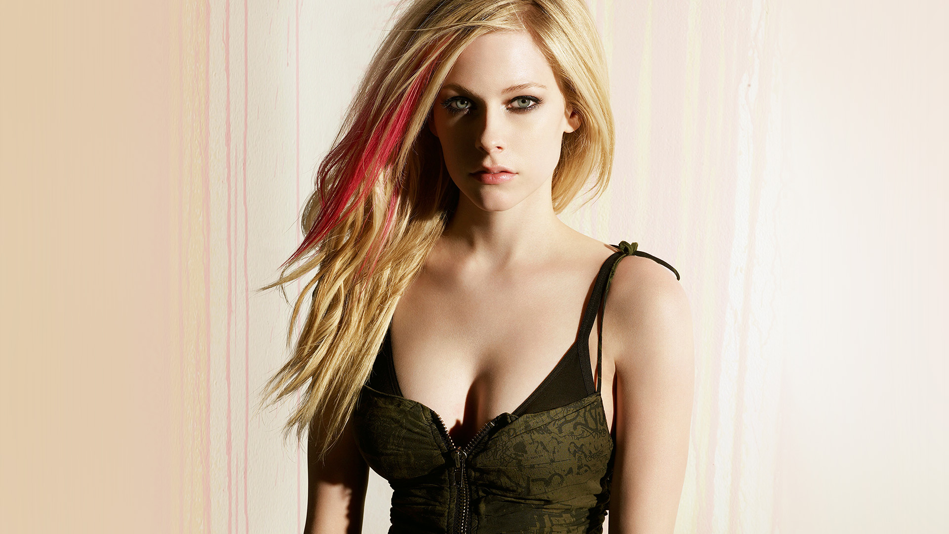 New Simple Girl Wallpaper Hp70 Avril Lavigne Girl Celebrity Singer Music Wallpaper