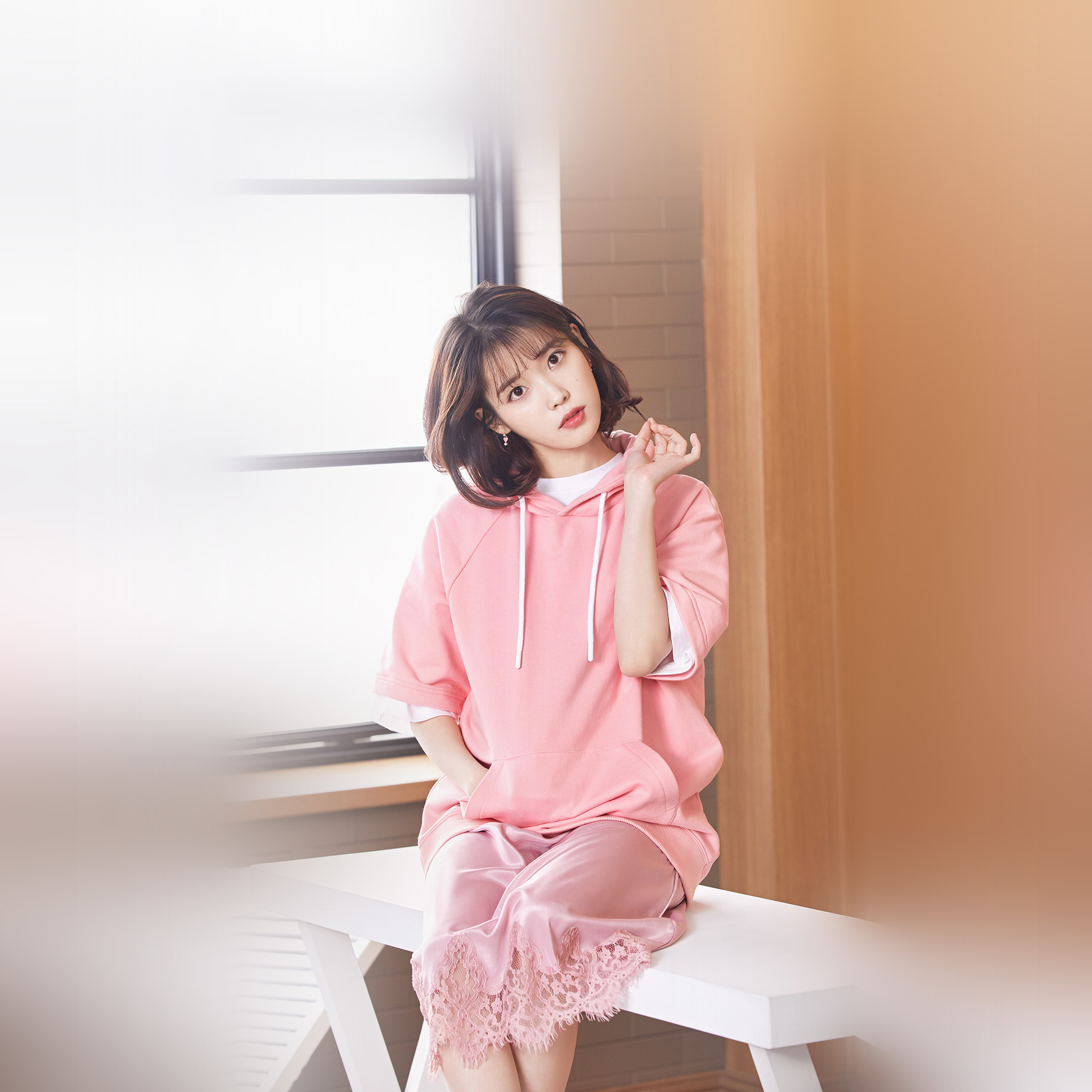 Imac Girl Wallpaper Hq31 Iu Girl Pink Kpop Singer Asian Celebrity Music Wallpaper
