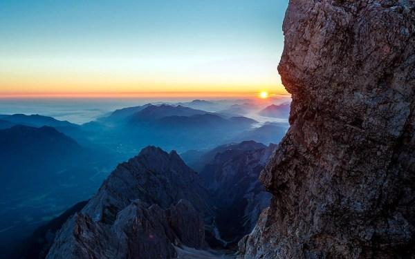 Ma82-dawn-mars-mountain-nature
