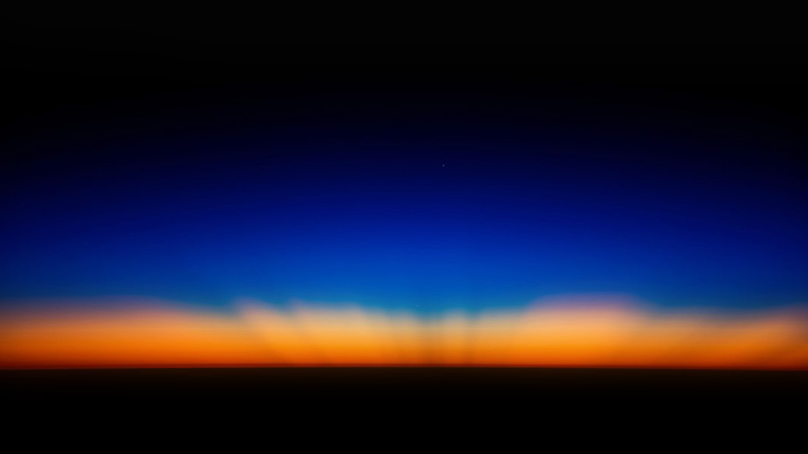 Fall Wallpaper For Iphone 7 Plus Sk35 Sunset Dark Red Blue Horizontal Blur Gradation Wallpaper