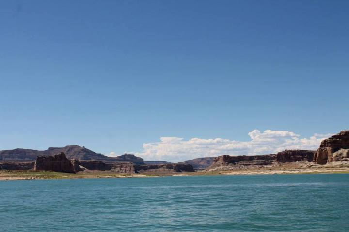 A Wild West Escape: Travel Guide for Lake Powell, USA
