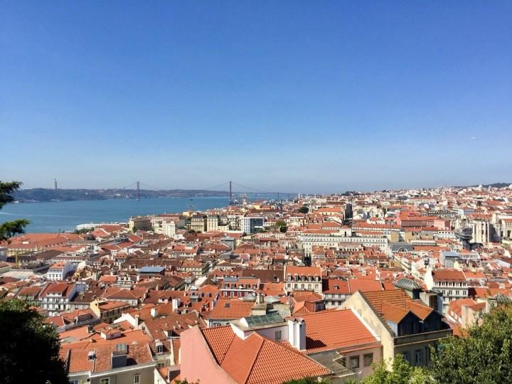 Love in Lisbon: Honeymoon Travel Guide for Lisbon, Portugal