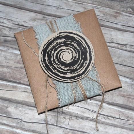 Verpackt im 3x3 Inch Umschlag