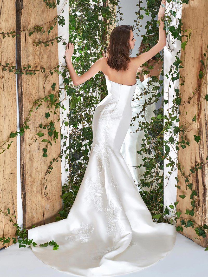 1801-wedding-dress