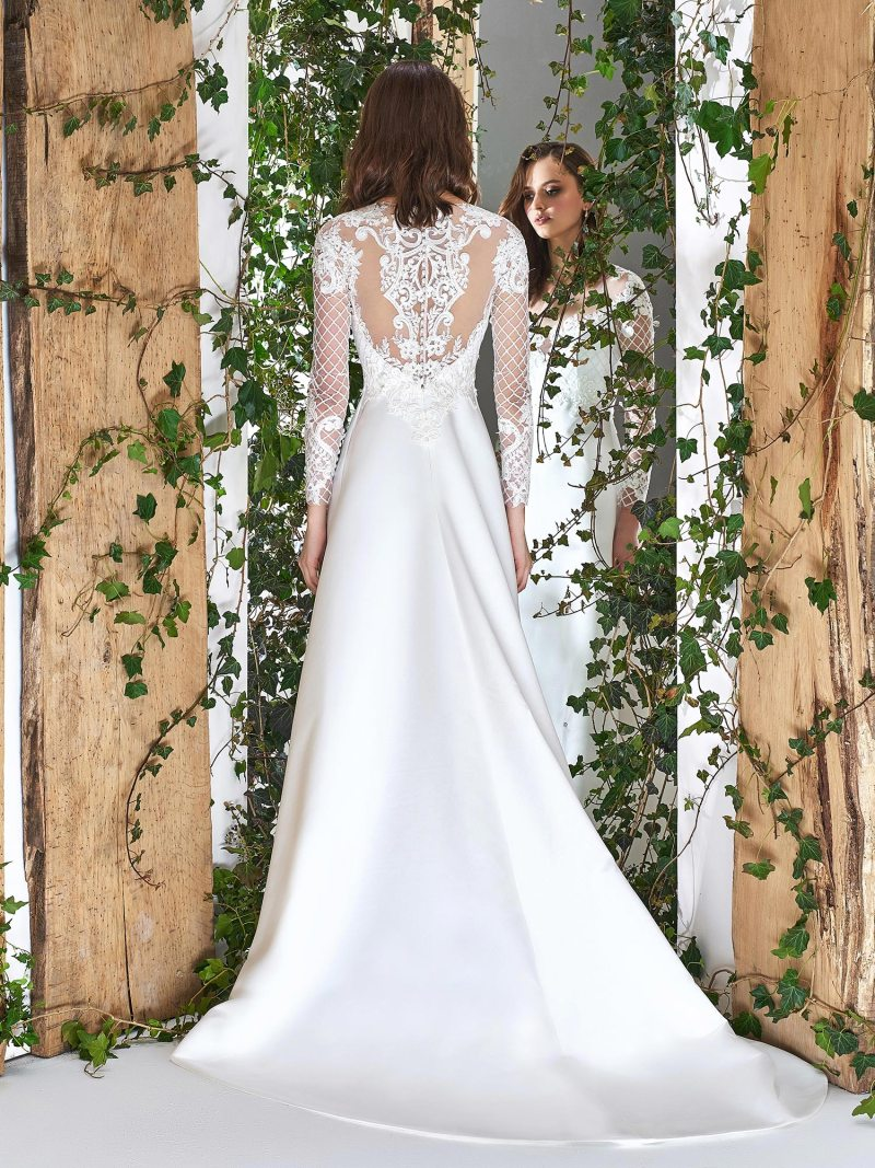1809L-wedding-dress-back