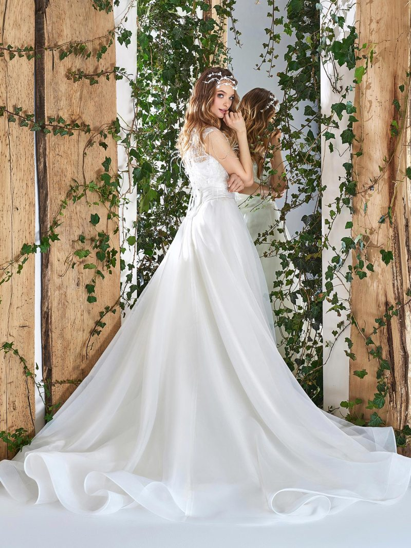 1820-wedding-dress-back