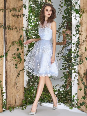 Knee-length wedding dress with 3D floral lace appliques