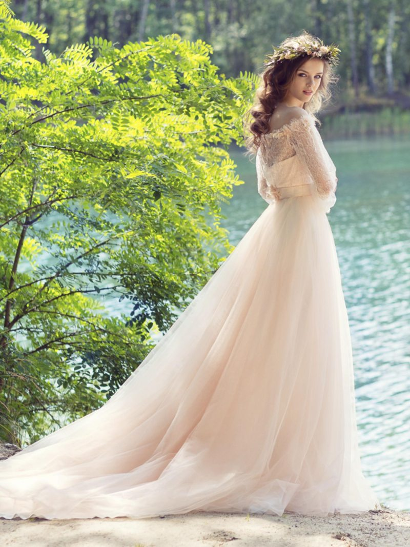 1749L-Wedding-dress-back-2