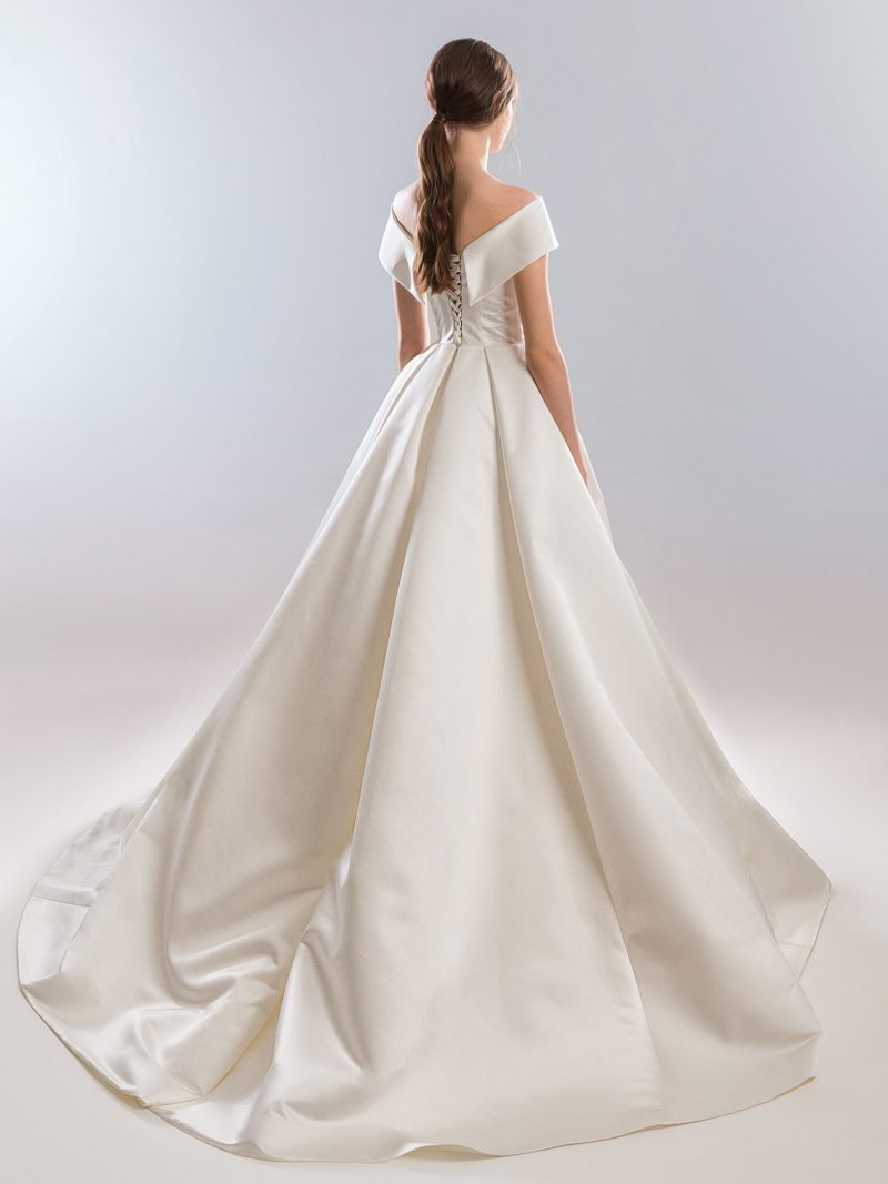 1903L-wedding-dress-back