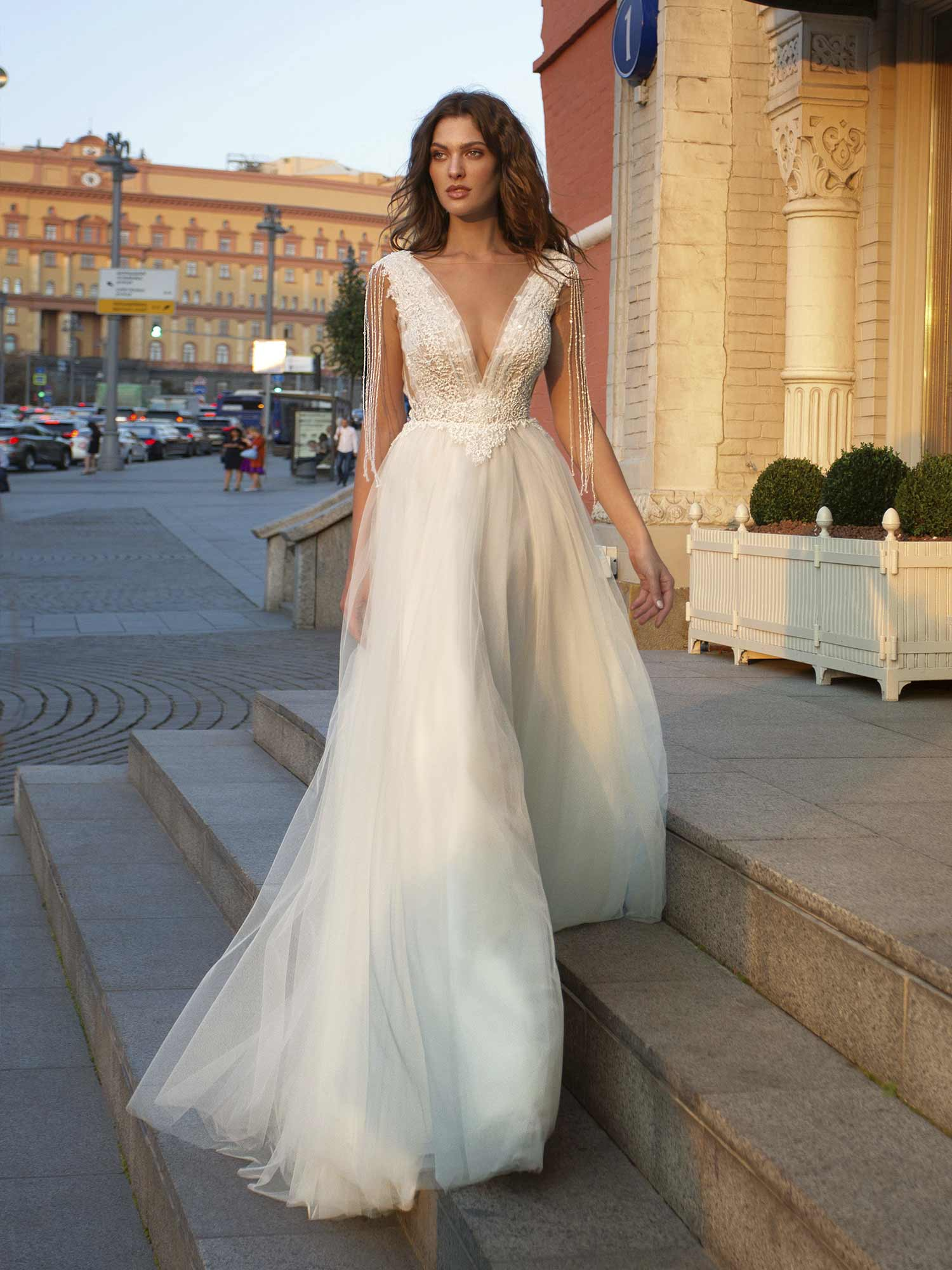 A-line wedding dress with tulle skirt, lace