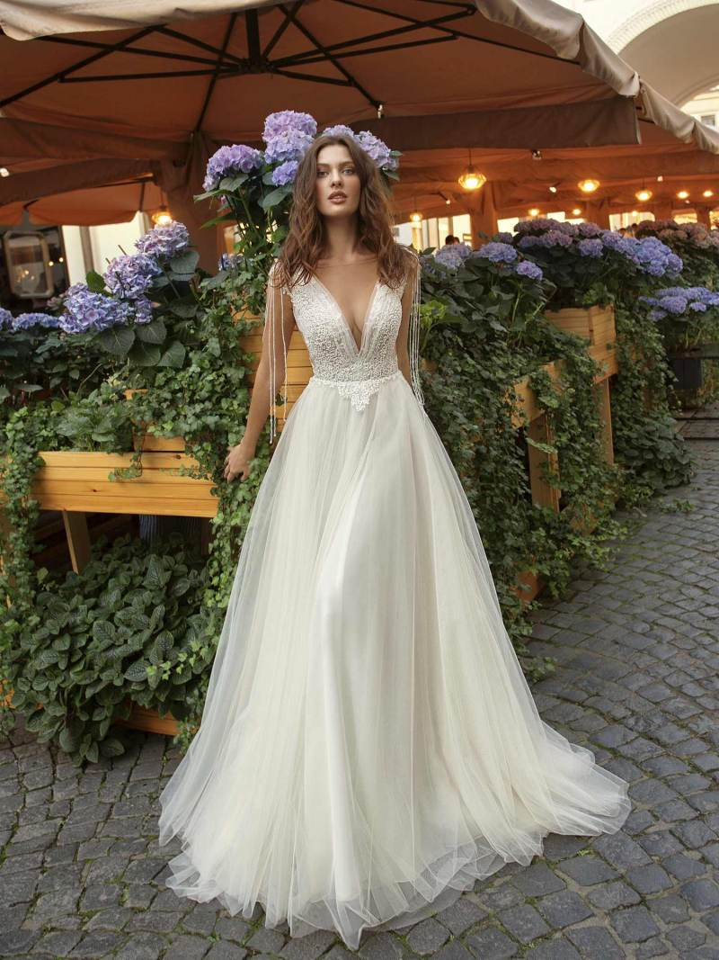 11943-4-wedding-dress-Papilio