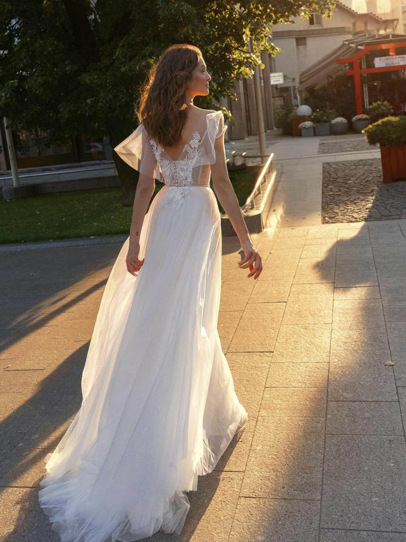 11945-2-wedding-dress-Papilio