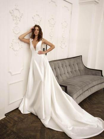 mikado wedding gown with pockets