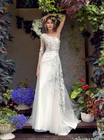 One-shoulder wedding dress