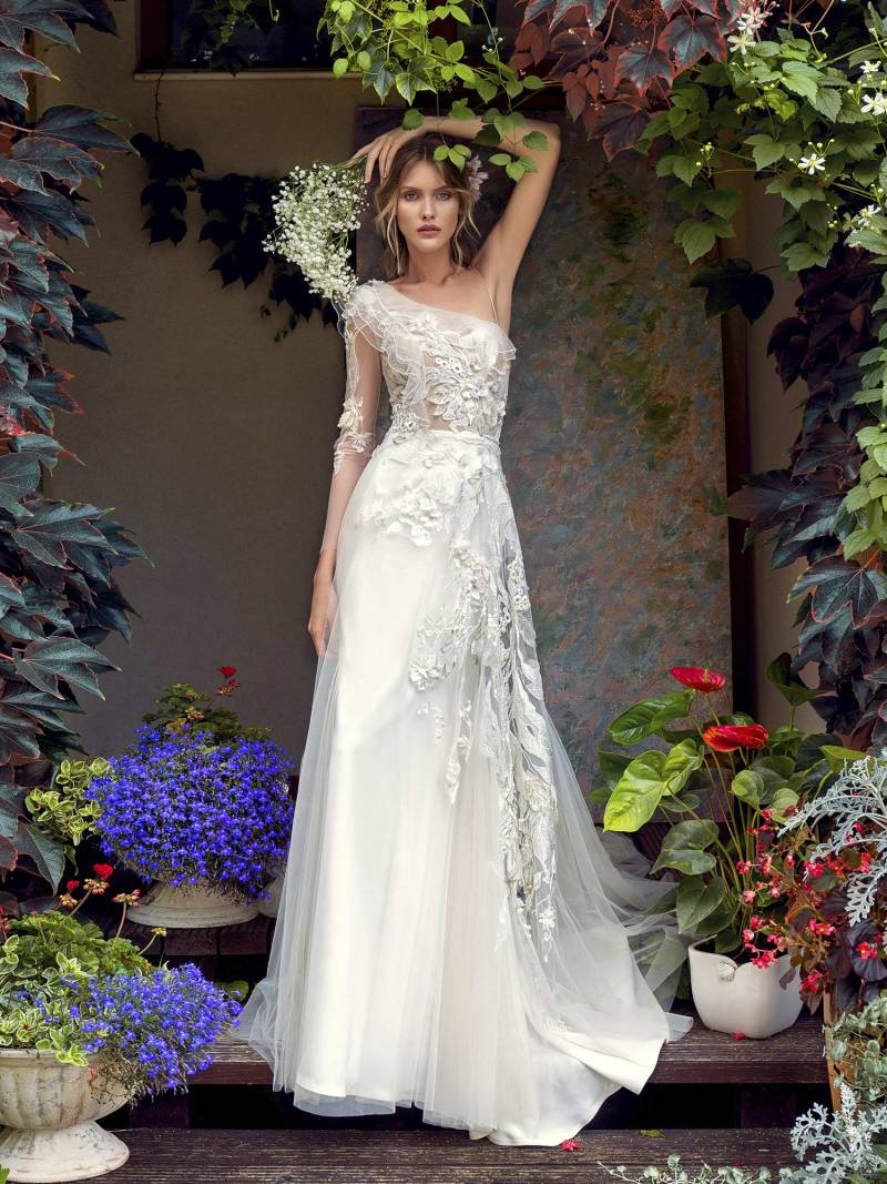 One-shoulder wedding dress with asymmetrical floral embroidery
